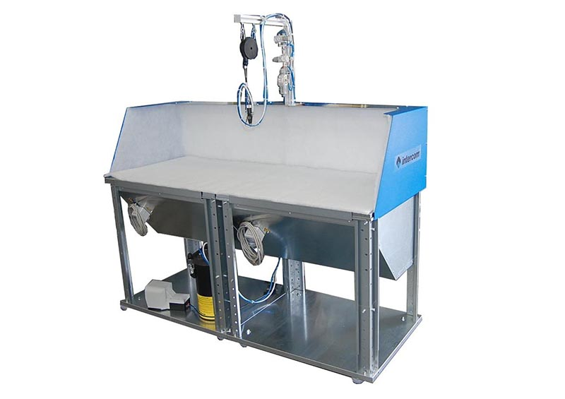 I988 - Vacuum bench B9 spraying system S8 and tank CO assembled and installed